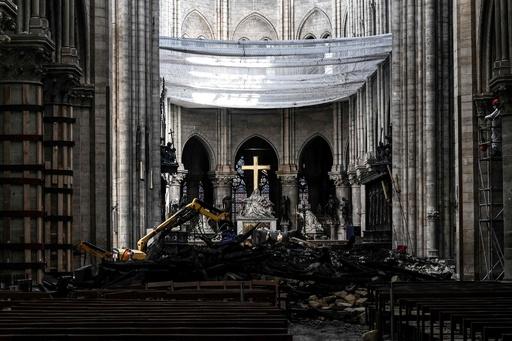 ノートルダム再建寄付金1000億円超、大半まだ受け取れず パリ大司教