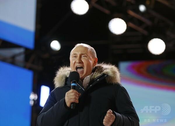プーチン氏再選、任期24年まで 権力手放す可能性は?