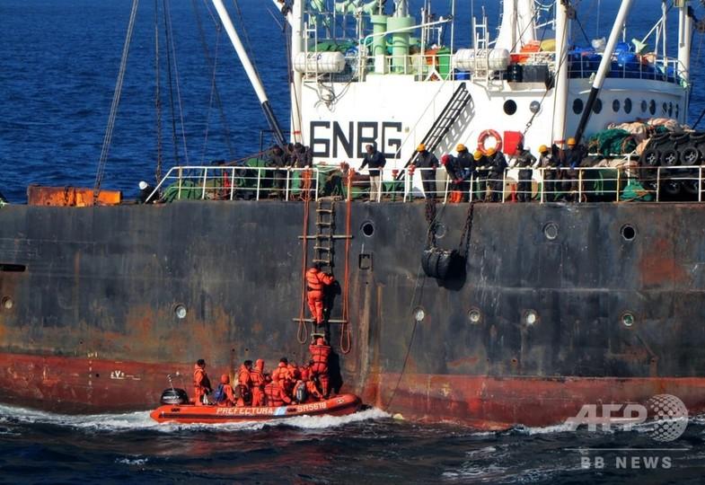 韓国船籍の漁船が違法操業、沿岸警備隊が拿捕 アルゼンチン