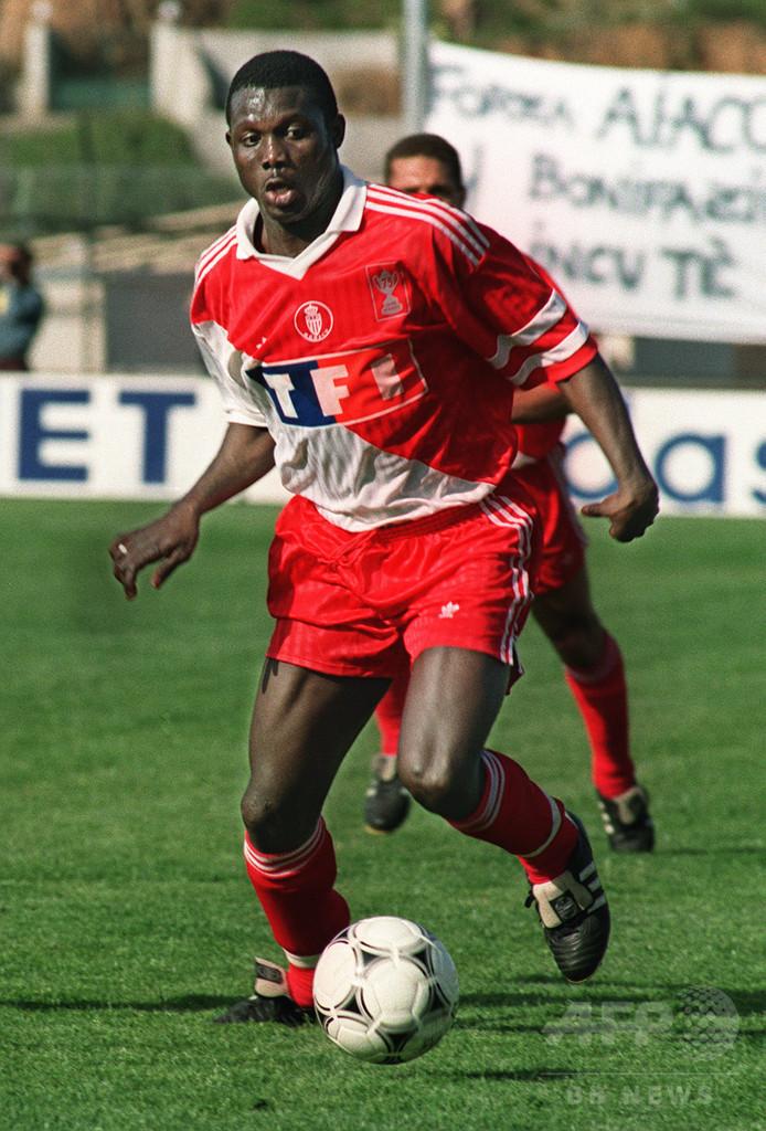 リベリア大統領選、元サッカー選手のウェア氏が勝利