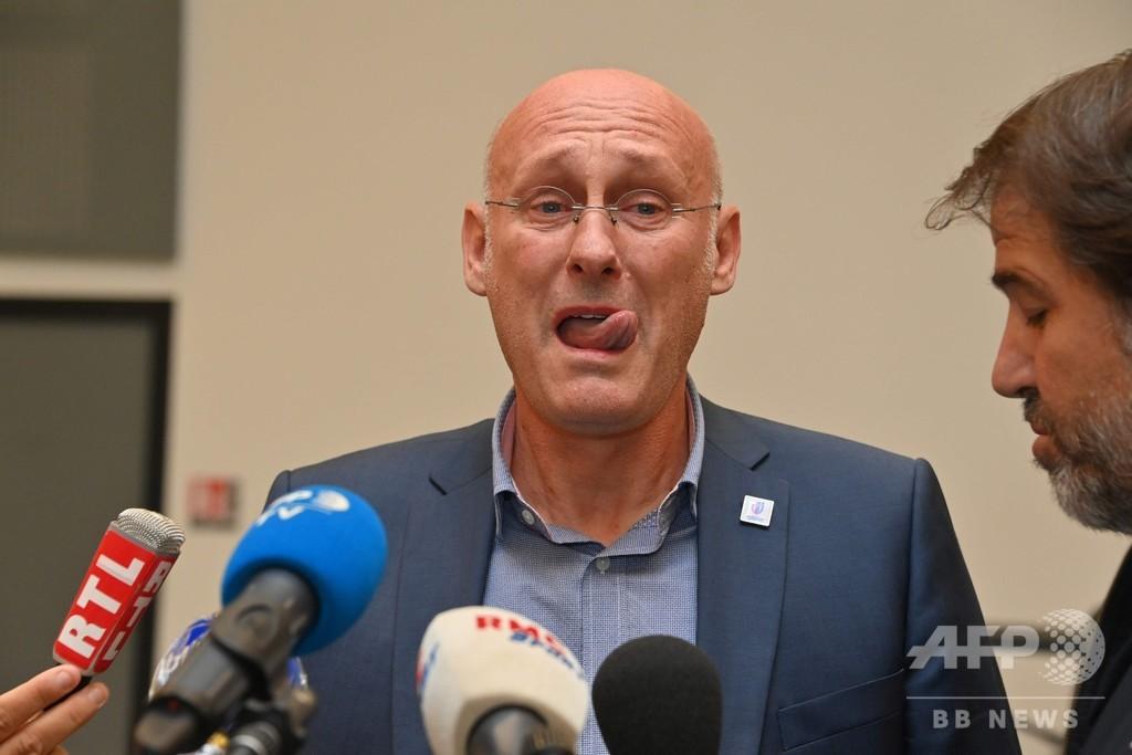 仏ラグビー連盟会長を釈放、会見で涙 介入疑惑で警察が拘束