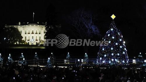 国際ニュース:AFPBB News米ホワイトハウスのクリスマス、新しいツリーが点灯