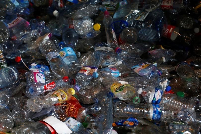 英、使い捨て飲料容器にデポジット制度導入へ