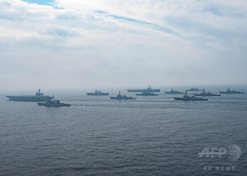 米空母打撃群、日本海で海上自衛隊と共同訓練実施