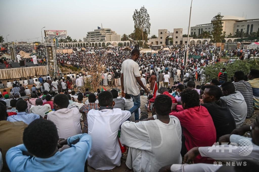 スーダンのデモ指導者ら、暫定軍事評議会に代わる文民組織の発足を予告