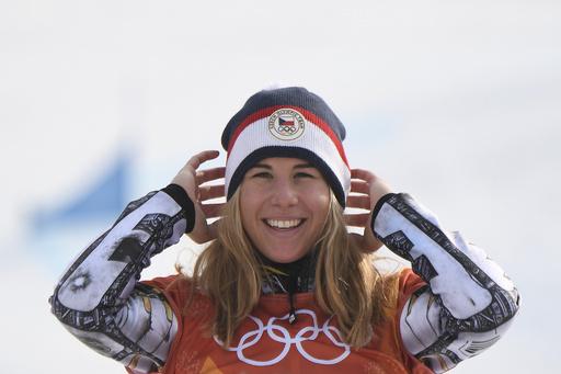「二刀流」レデツカ、五輪史上初の快挙 スキーとスノボで2冠