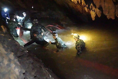 タイ洞窟閉じ込め、少年らの捜索活動はどのように行われたか