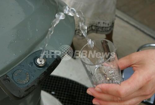 「1日1.5リットルの水が必要」はウソ?医学的根拠なし 米研究報告