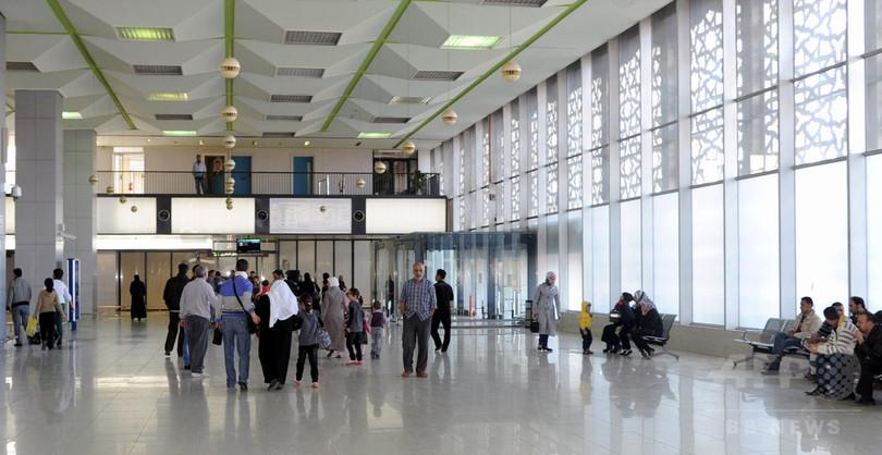 イスラエル、シリア首都の国際空港を空爆か