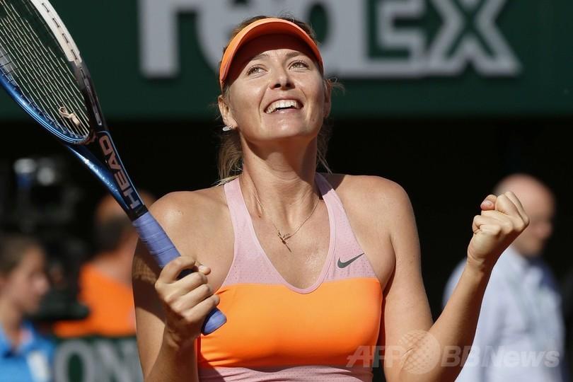 シャラポワがブシャールに逆転勝利、3年連続で決勝へ 全仏オープン