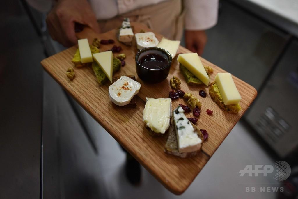 中国、カビ熟成のソフトチーズ輸入禁止を解除 EUとの協議後