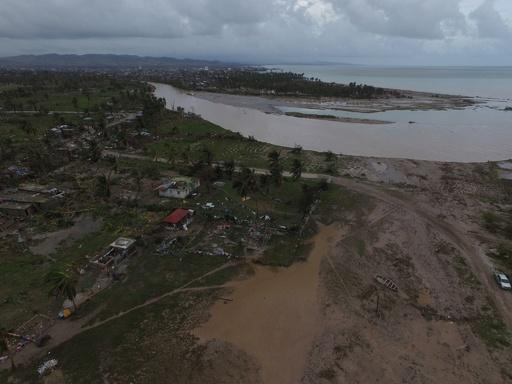 ハリケーン「マシュー」の死者264人に、ハイチ