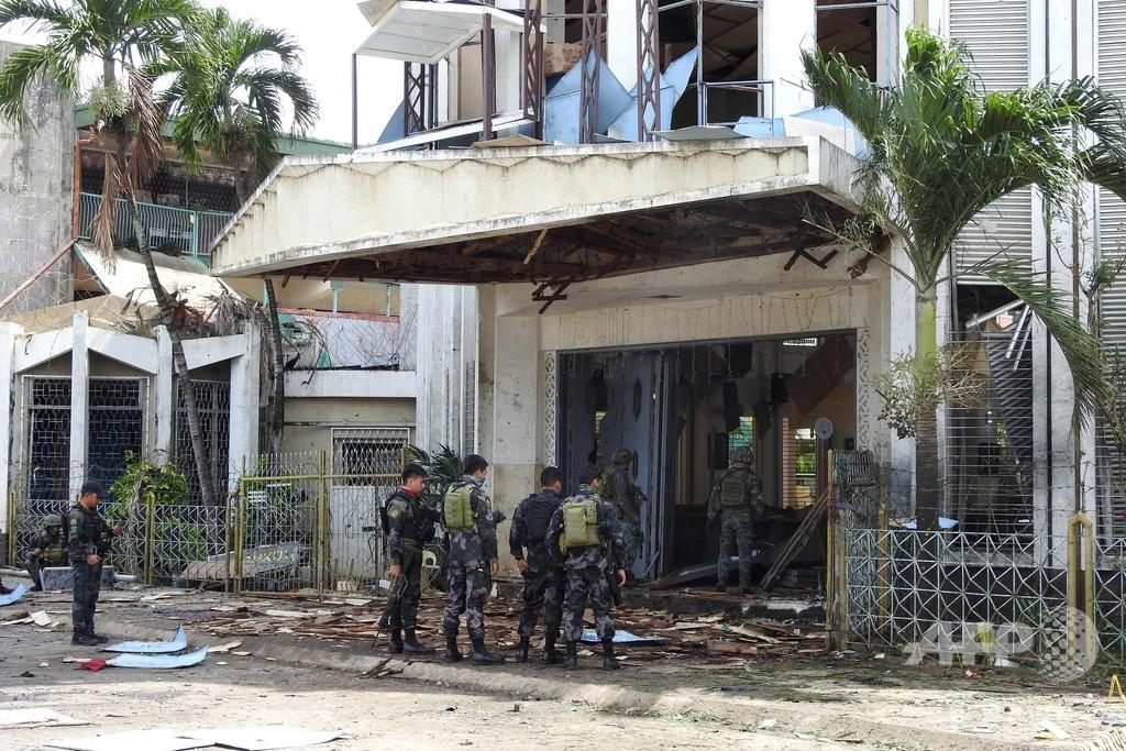フィリピン南部の教会で2度の爆発、18人死亡 イスラム過激派拠点の島