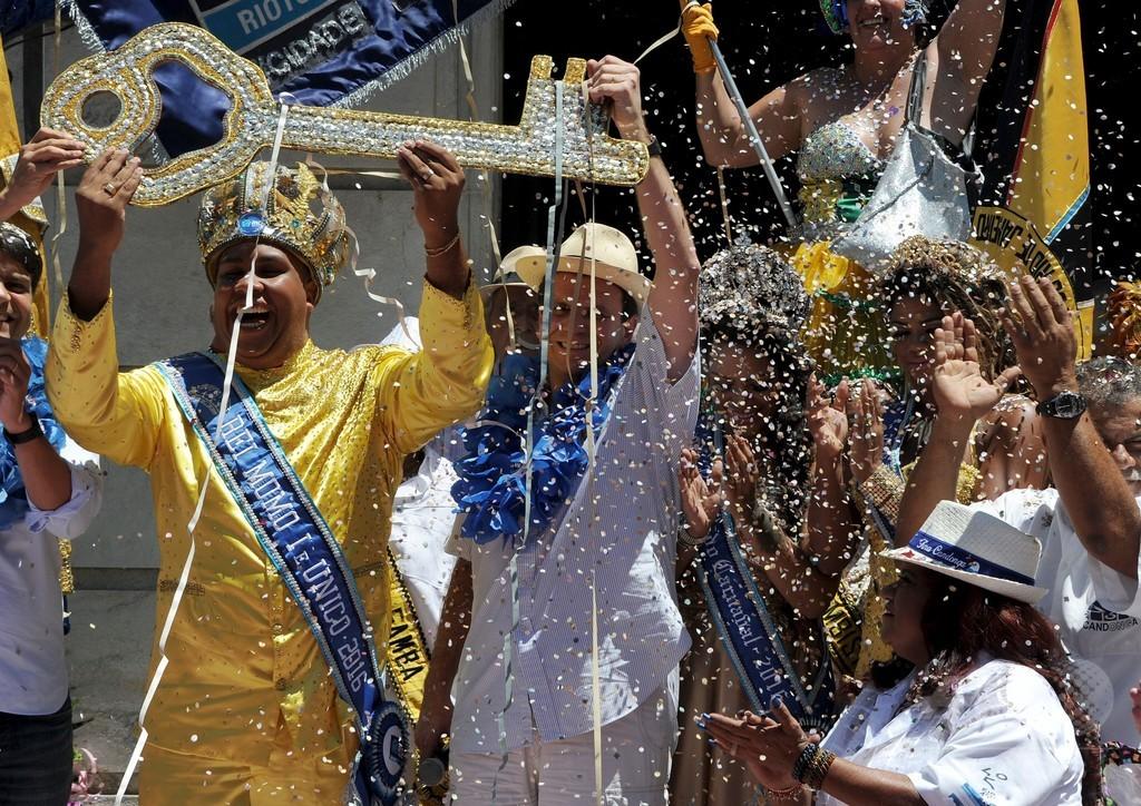 リオのカーニバル、ジカ熱懸念の中で開幕 ブラジル