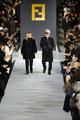 フェンディ、万里の長城でファッションショー