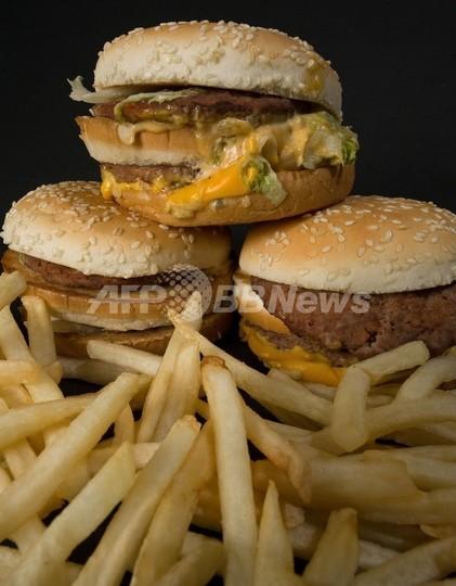 閉店後のマクドナルドに「ハンバーグラー」侵入、夜食を自炊