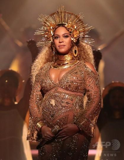 グラミー賞は黒人女性歌手には狭...