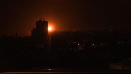 動画:イスラエル軍がガザ地区を空爆、ロケット弾への報復