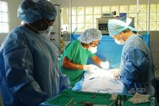 心臓手術は午後の方が望ましい、術後リスクに差 仏研究