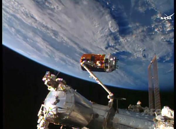「こうのとり」、国際宇宙ステーションにドッキング