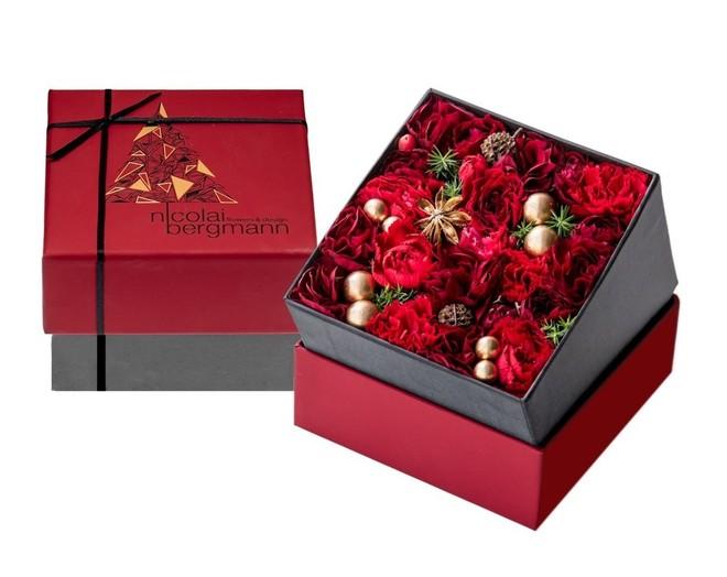 「ニコライ バーグマン フラワーズ & デザイン」クリスマス限定フラワーボックスアレンジメント