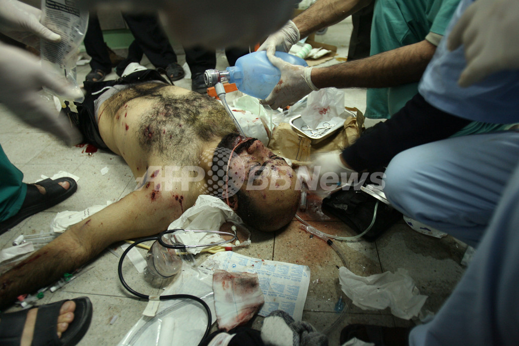 国連車両をイスラエル軍が攻撃、ガザ援助活動停止
