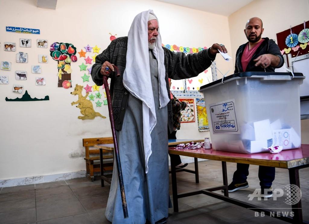 エジプトで改憲案めぐり国民投票、大統領任期延長など盛り込む