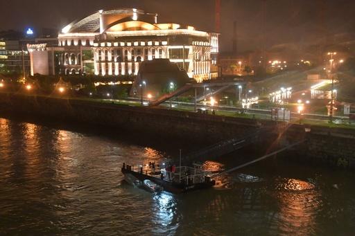 ドナウ川で遊覧船沈没、韓国人7人死亡19人不明 ハンガリー首都