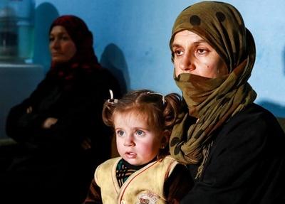 ISから逃れたヤジディー教徒の女性たち、「家に帰りたい」 シリア