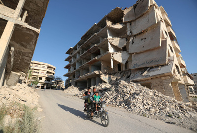 シリア憲法起草委員会の速やかな設置を、米など7か国 国連特使に要求