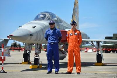 台湾空軍、航空ショーのリハーサル公開 アクロバット飛行も