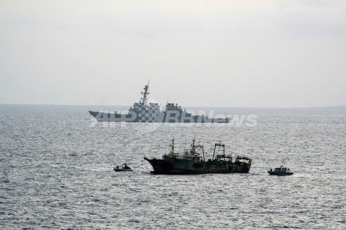 ソマリア沖の海賊によるタンカー...