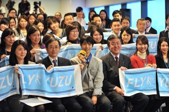 フィギュア日本代表が帰国、世界選手権へ向けて再始動