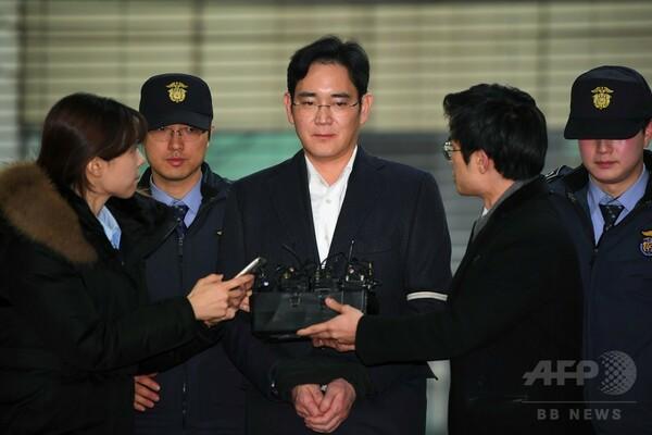 サムスン副会長を起訴、贈賄や横領などで 韓国特別検察官チーム