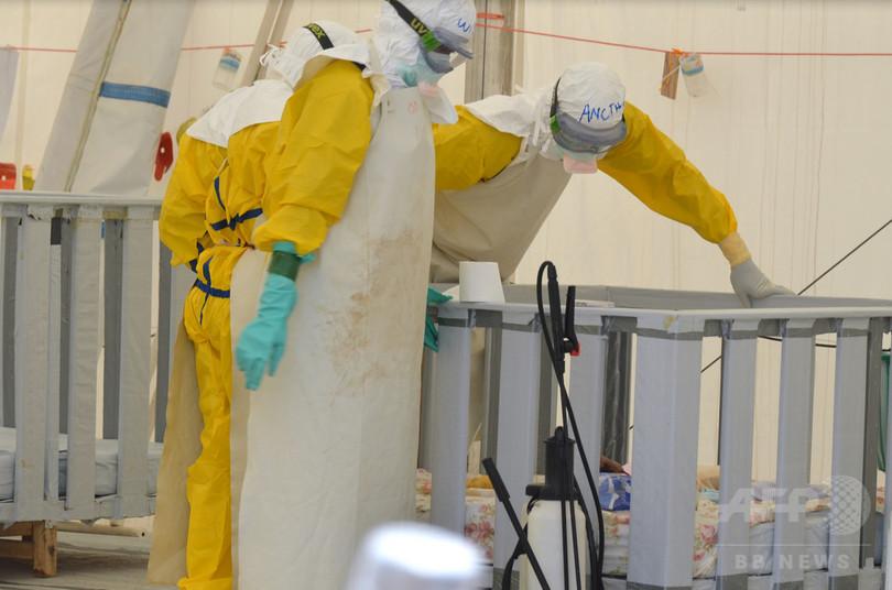 エボラ対応の遅れ、国境なき医師団とWHOが相互に非難