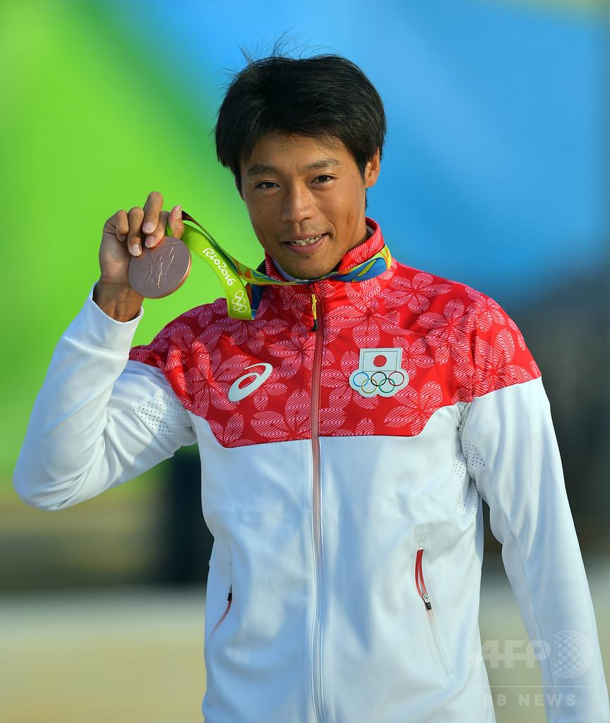 カヌー・スラロームで羽根田が銅メダル リオ五輪