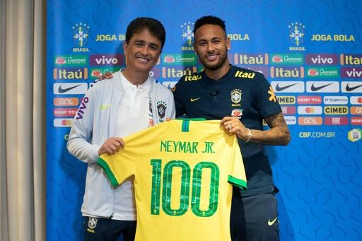ネイマールが最年少で100試合出場達成、ブラジルはセネガルとドロー