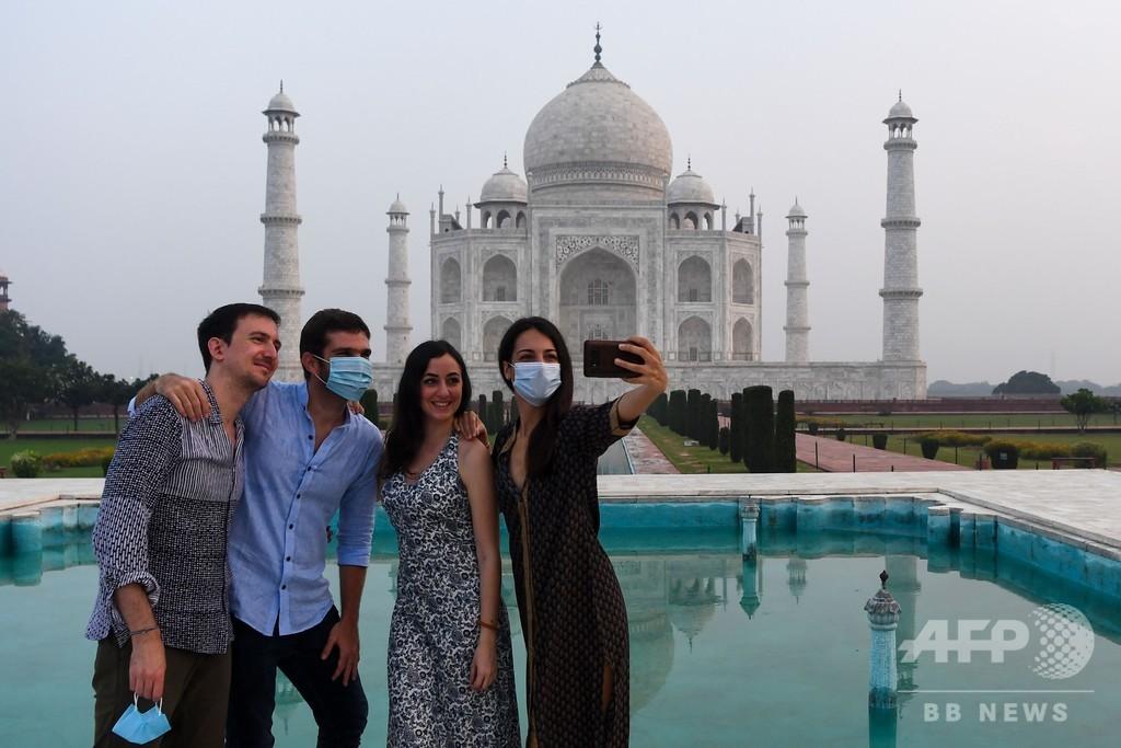 インドのタージマハル再開、感染者急増の中 大理石へのタッチは禁止