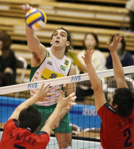 ブラジル 1敗を守り大会7勝目