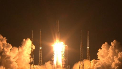 動画:中国、世界最大級のロケット打ち上げ 20年火星探査へ前進