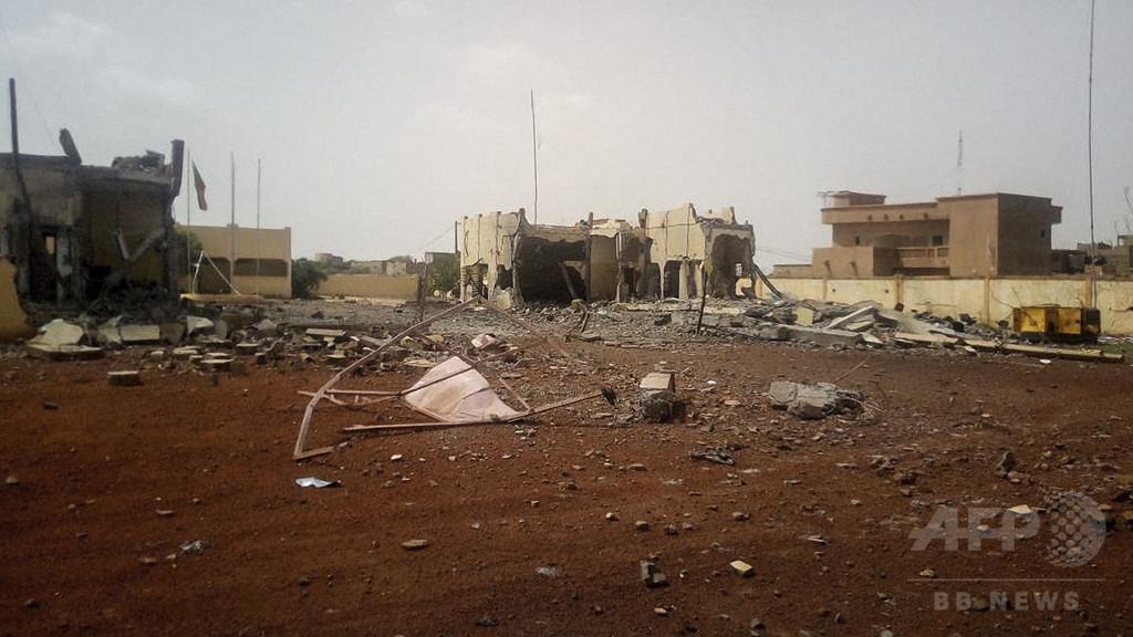 サヘル5か国のテロ対策部隊司令部に爆弾攻撃 3人死亡 マリ