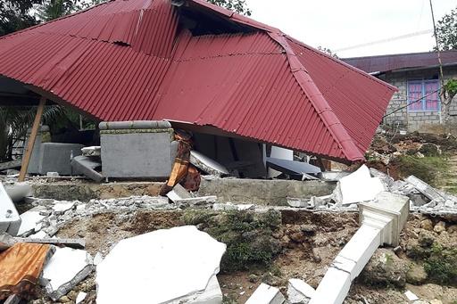 インドネシア地震、死者19人に修正 1万5千人超が避難