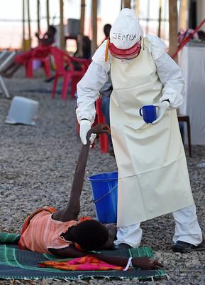 エボラウイルス、感染しても自覚症状出ないことも 米研究
