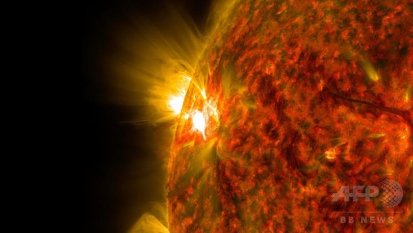 中規模の太陽フレア、NASAが画像公開