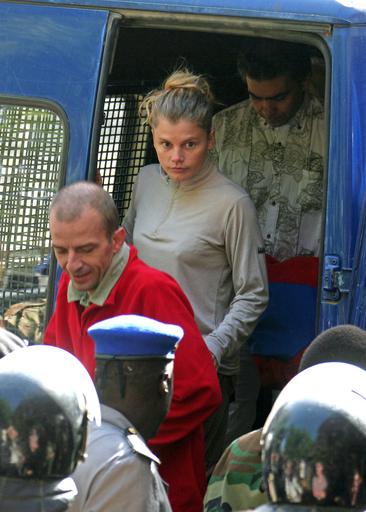 チャド子ども誘拐未遂で起訴された仏援助団体メンバーの公判始まる