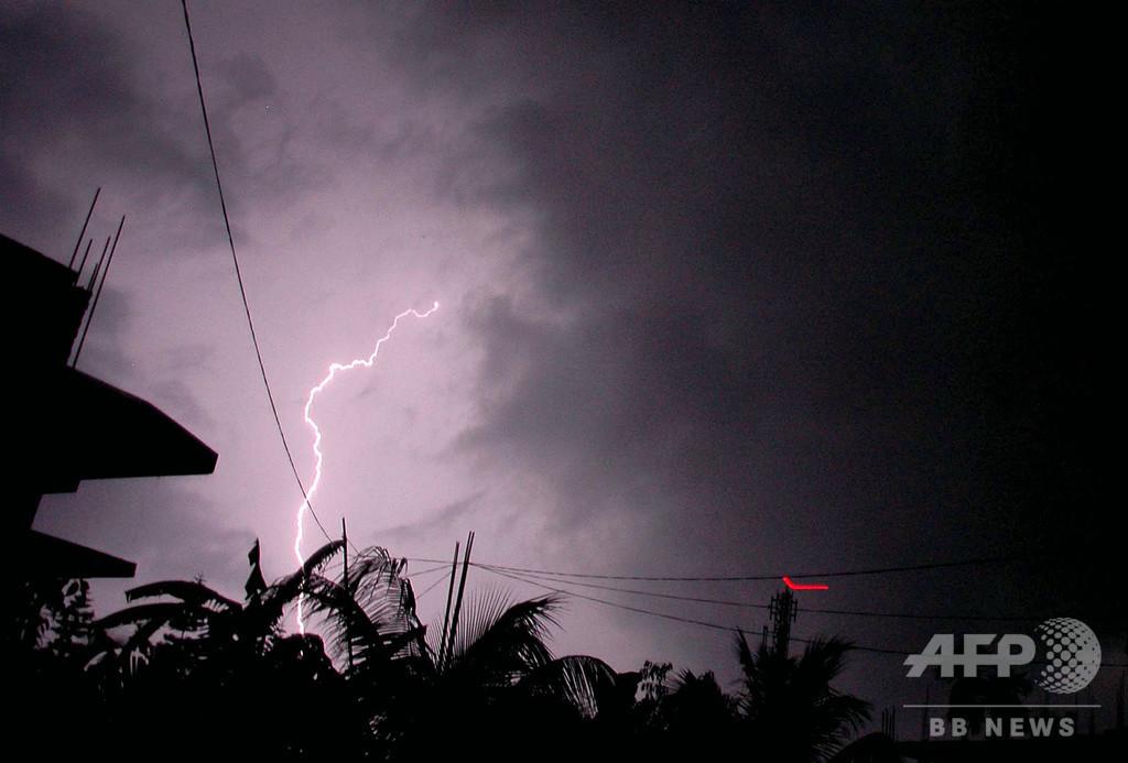 気候変動で落雷増加、10日間で147人死亡 インド