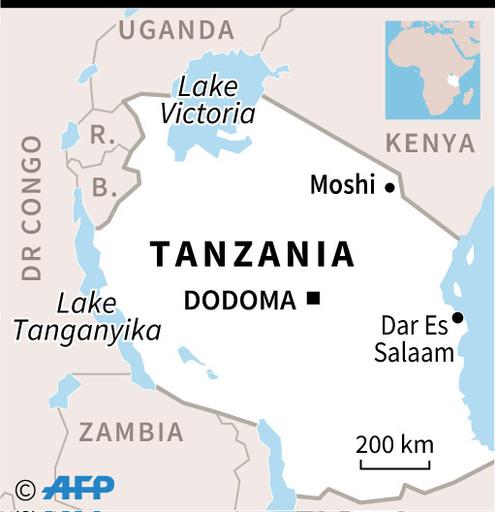 教会での礼拝中に参列者ら転倒、20人死亡 タンザニア