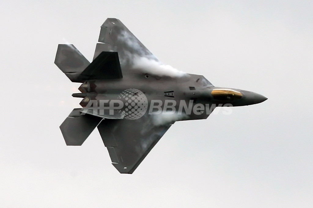 米下院委がF-22増産の予算案可決、「大問題」と米国防長官