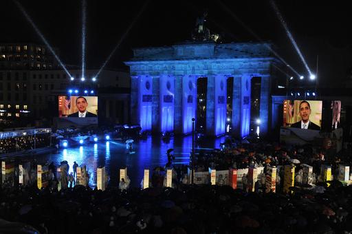ベルリンの壁崩壊20年、各国首脳が式典に出席 市民10万人超集まる