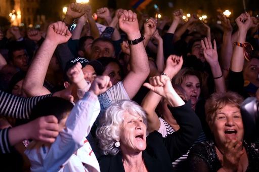 アルメニア野党指導者、首相選出へ支持確保 デモ中止呼び掛け